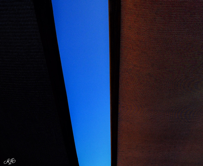 sandro blue sky peeking
